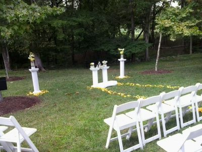 Outdoor wedding altar at Rollins Congressional Club