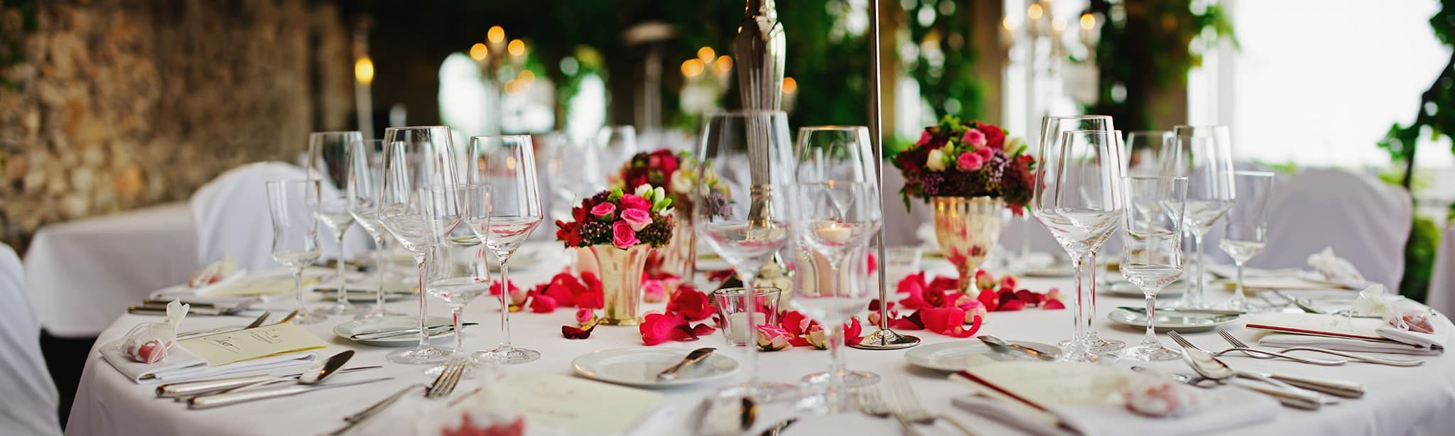 Beautiful table setting for a banquet